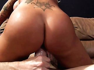 Big Boobed Sweet Stunner Lolly Foxx Uses Vibe During Exotic...