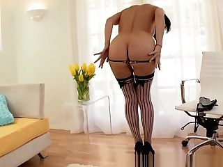 Mummy Blows Big Dick For Mouthhole Of Jism