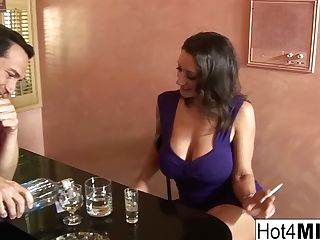 Hot Cougar Persia Is Longing More Fuck-stick