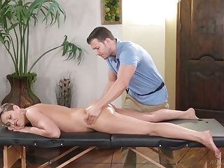 Amazing Sexy Cougar Ryan Keely Gets Oiled Milfie Cooter Fucked Rear...